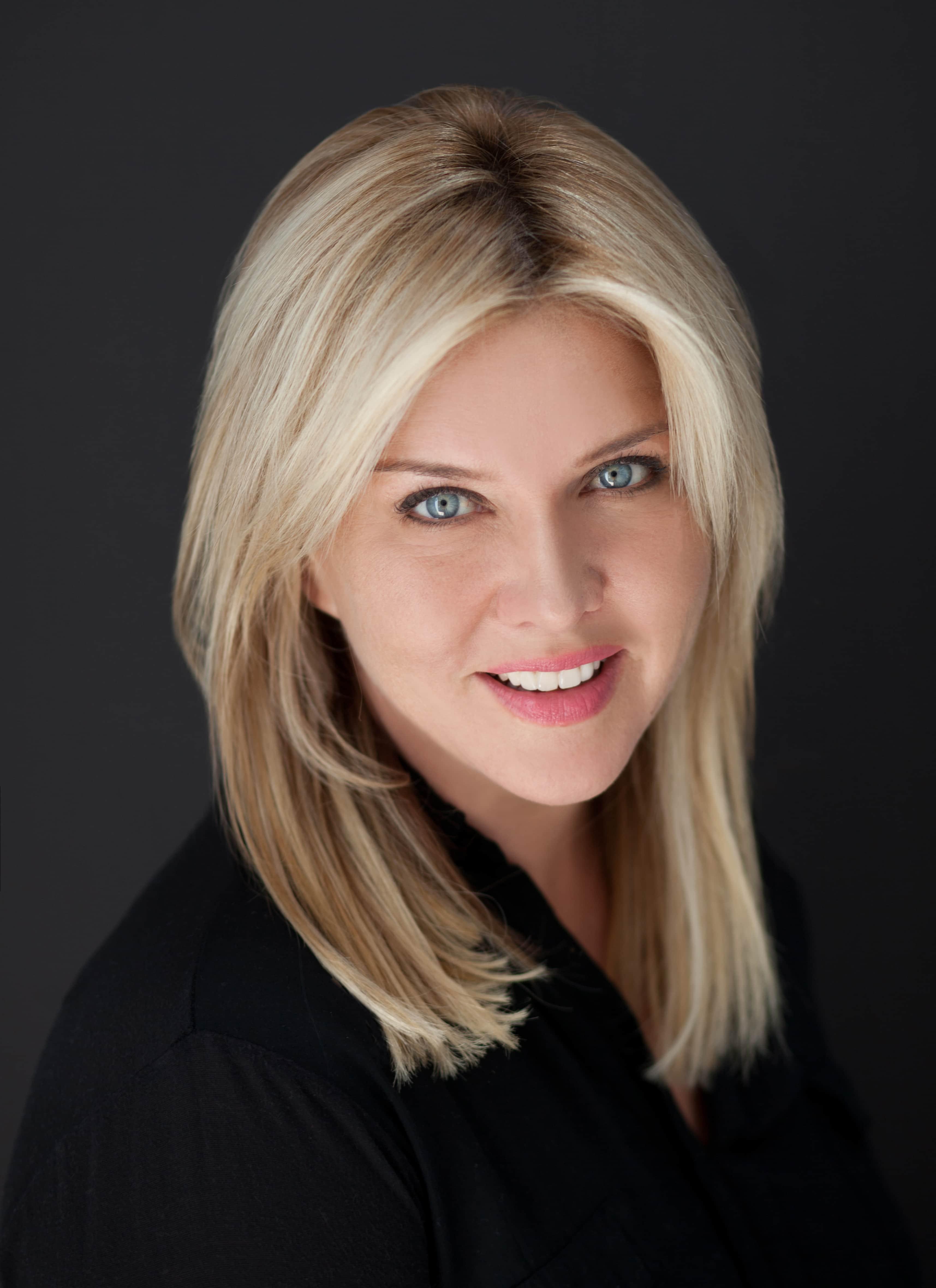 Christine Mason Headshot
