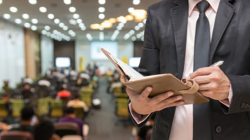 5 Tips to Help You Prepare for a Speaking Engagement