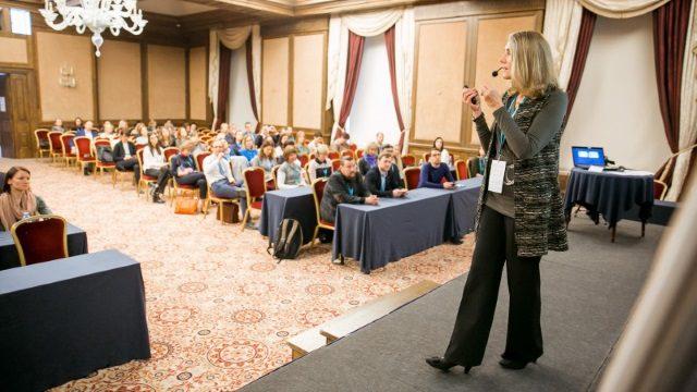 Keynote Speaker Julie Winkle Giulioni