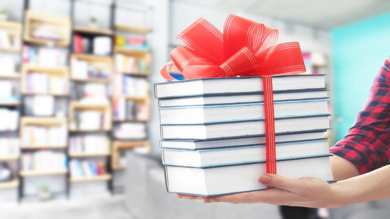 Episode 32: Holiday Book Promotions with Barb Roose
